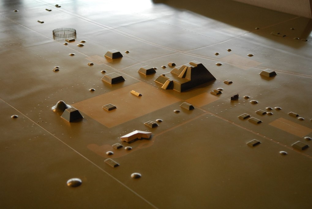 Model of the Cahokia Mounds site.