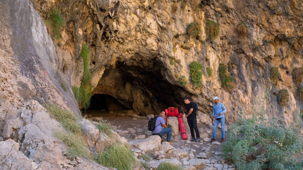 <p>Iran had been a focus for archaeological investigations as Paleolithic studies began there from the 1950s onwards. Excavations in caves have revealed a rich prehistory, with findings consisting of a range of Palaeolithic stone tool assemblages and faunal remains. However, the dispersal and adaptation of multiple hominin species across Iran over the past 100,000 years remains poorly known.</p>