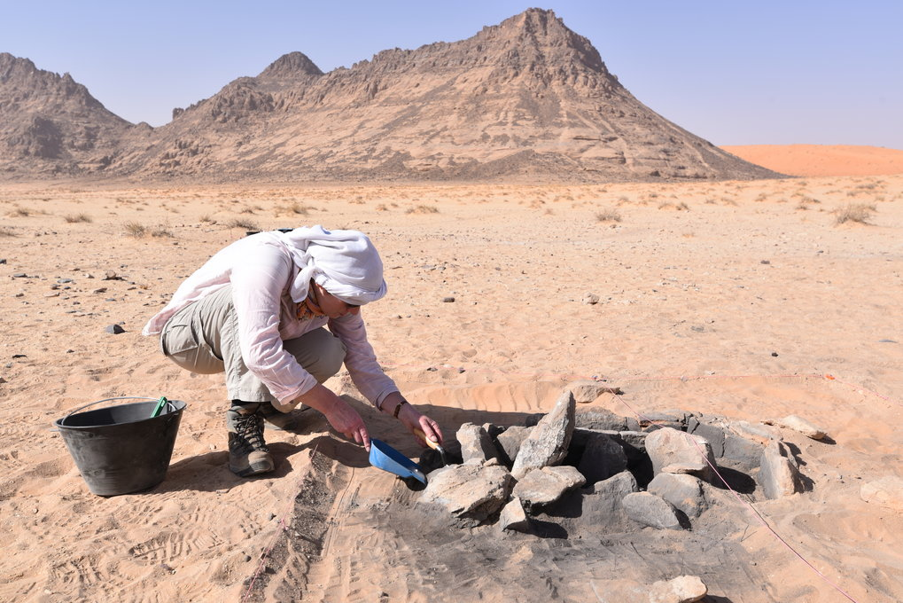 Palaeodeserts scientists are excavating hearth sites located along ancient shore lines of a palaeolake.