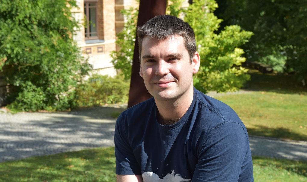 Congratulations to Patrick Roberts from the Department of Archaology for winning the Beutenberg-Campus Jena e.V's award for outstanding achievement by a young researcher. Patricks work has uncovered new insights into the relationship between humans and tropical forests in the past.