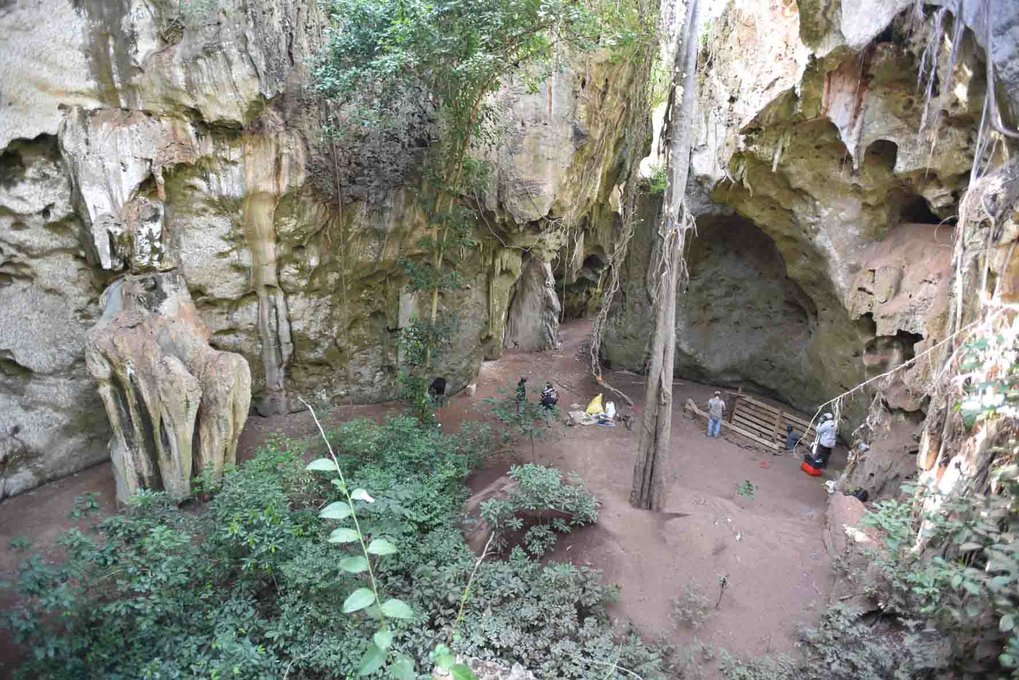 The first substantial cave record from coastal Kenya ranges from the Middle Stone Age to the Iron Age, showing gradual changes in cultural, technological and symbolic innovations beginning at 67,000 years ago.